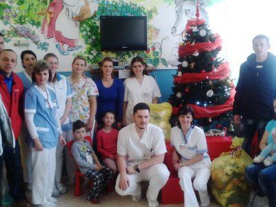 OZ Peťa Kašineho obdarovalo najmenších pacientov