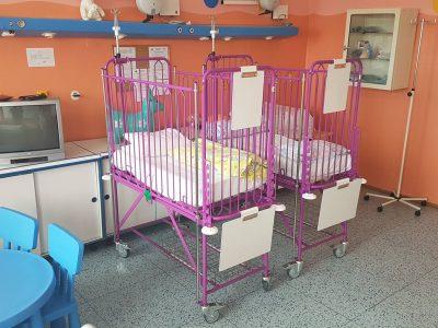 Nové postieľky na detskom a novorodeneckom odd.